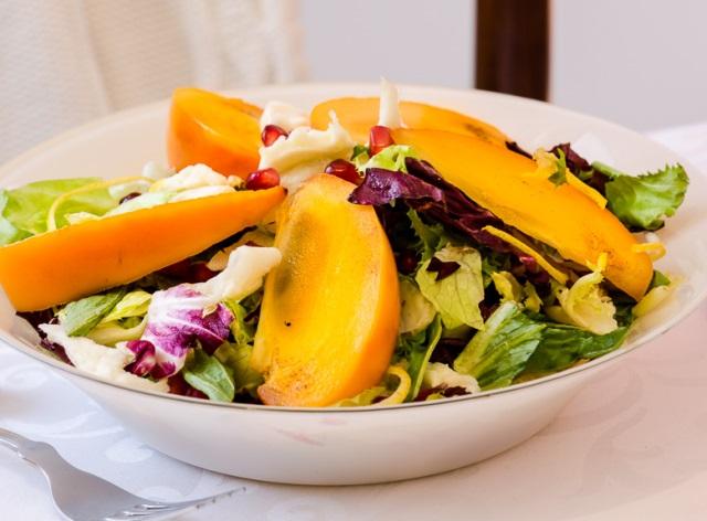 Салат из хурмы со свеклой при беременности