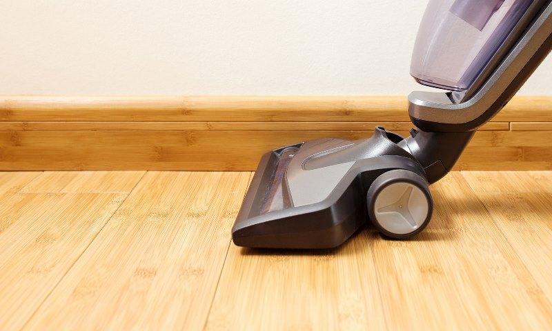 Чем мыть ламинат чтобы не было пыли